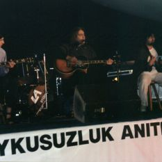 http://gokalpbaykal.com/wp-content/uploads/2013/04/fotolivepublic-1999-05-22-Findikli-Parki-1.jpg