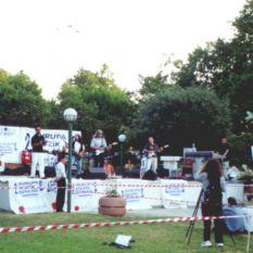 http://gokalpbaykal.com/wp-content/uploads/2013/04/fotolivepublic-2000-06-22-Taksim-Gezi-2.jpg