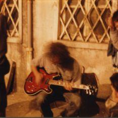 http://gokalpbaykal.com/wp-content/uploads/2013/04/fotoyasam-1990-09-Narmanli-Han-Murat-Beser-ile.jpg