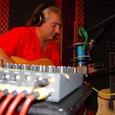 http://gokalpbaykal.com/wp-content/uploads/2013/04/fotoyasam-2005-07-19-Deneyevi-2.jpg