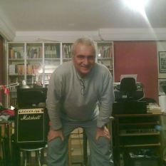 http://gokalpbaykal.com/wp-content/uploads/2013/04/fotoyasam-2011-01-17-Anadoluhisari.jpg